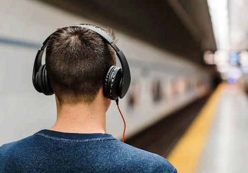 The best tech for a long Christmas journey