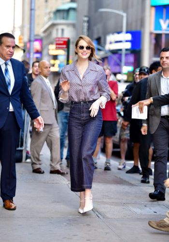 Not Sure What Shoes to Wear with Your Wide-Leg Crops? Emma Stone Has Some Ideas