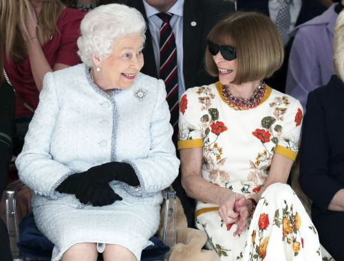 No Lie: Queen Elizabeth Sat Next to Anna Wintour at London Fashion Week