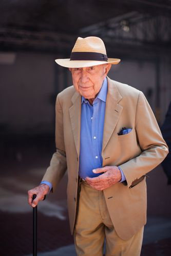 On the Street.Beppe Modenese, The Man of Milan!