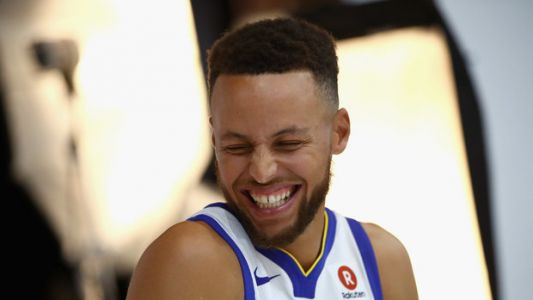 Twitter Claps Back At Trump 'Withdrawing' Steph Curry's White House Invite