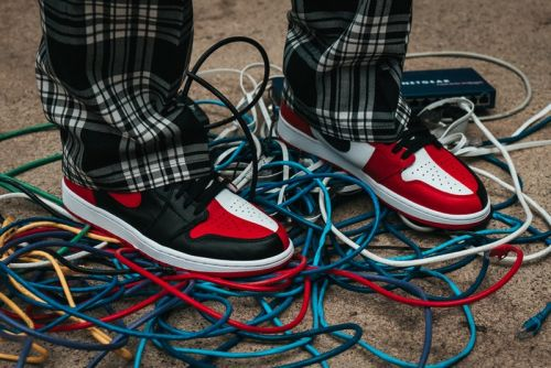 "Air Jordan 1 Retro High OG ""Homage to Home"" Stars in New Notre Editorial"