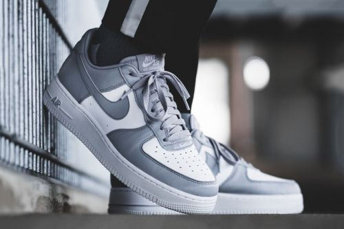 Nike Simplifies the Air Force 1 Low With a White/Grey Color Scheme