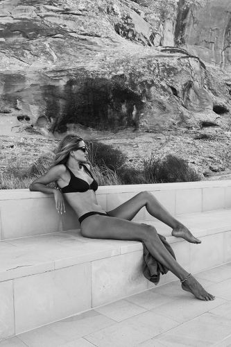 Rosie Huntington-Whiteley is Among Many A-Listers, Escaping To The Palatial Amangiri Utah Resort