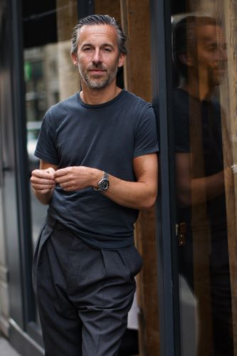On the Street.A Well Cut Tee, Paris