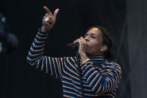 "A$AP Rocky Declares Himself ""The Greatest Contemporary Artist of All-Time"" at Dipset & A$AP Mob Concert"