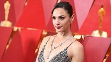 Gal Gadot's Seemingly Innocent Tribute To Stephen Hawking Pissed Off Some People