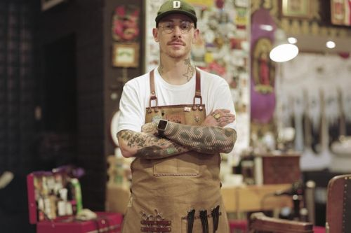 Watch How Dickies' Photographer Used a 8x10 Camera to Capture UK's Creative Talents