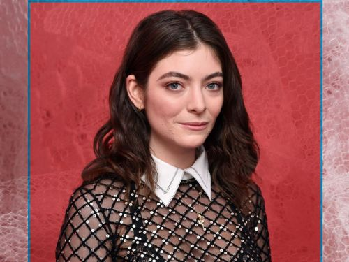 Lorde Would Love You To Stop Giving Her Acne Solutions
