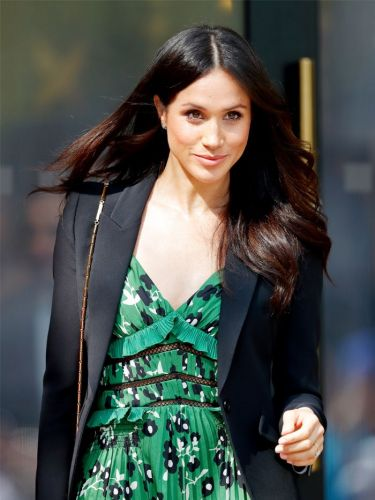 SOS: Here's Your First Look at Meghan Markle in a Wedding Gown