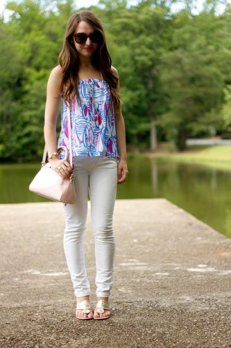 How to Style White Pants