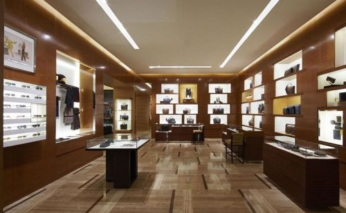 Luxury shoppers seize the day amid Turkey's sliding currency