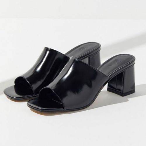 Minimalist Summer Heels Sure to Play Well with Your Entire Wardrobe