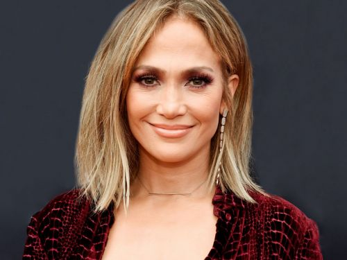 JLo Just Debuted A Hairstyle That's Longer Than Nicki Minaj's