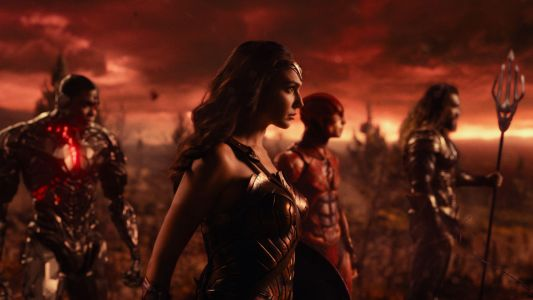 Wonder Woman's 'Civilian' Wardrobe in 'Justice League' is Just as Stunning as Her Supersuit