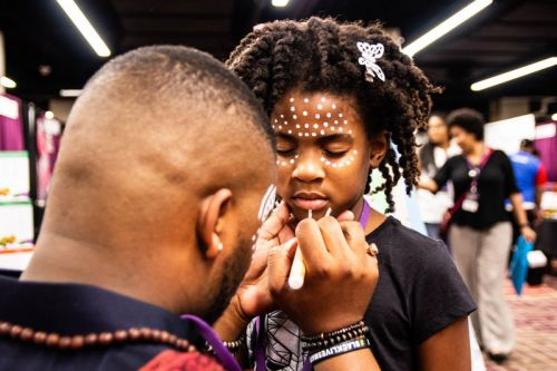 Fans Celebrate 'Black Panther' and Black Culture at Wakandacon in Chicago