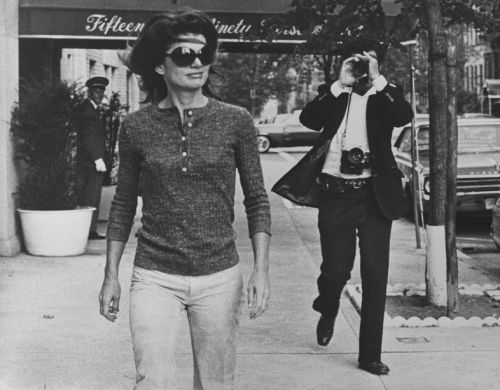 The History of Paparazzi Photographs, Beginning on the Streets of 50s Rome
