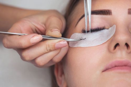 How to Overcome Volume Lash Obstacles
