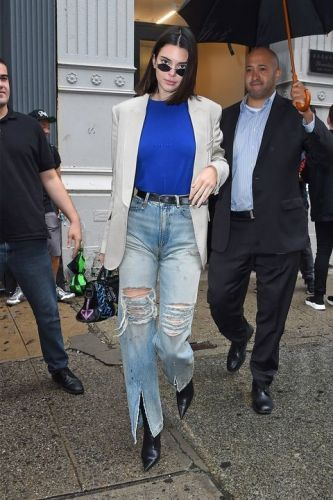 Kendall Jenner Wears The Chicest Model Off-Duty Look During