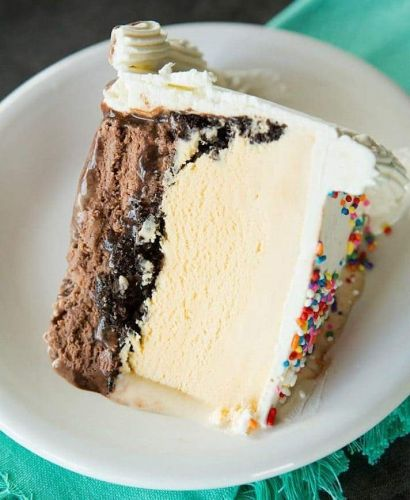 Decadent Ice Cream Cake Recipes Worth Throwing Together Before Summer Ends