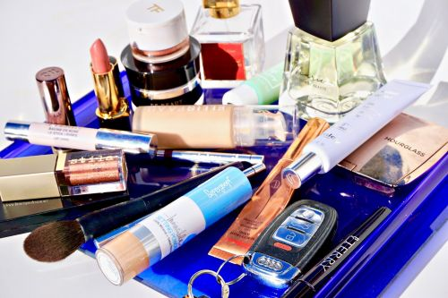 Video Tutorial: A Makeup Look for a Long Day on the Go