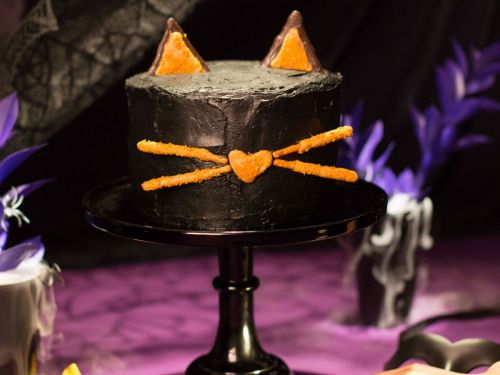 Try This Halloween Cake That's As Sweet As It Is Cute
