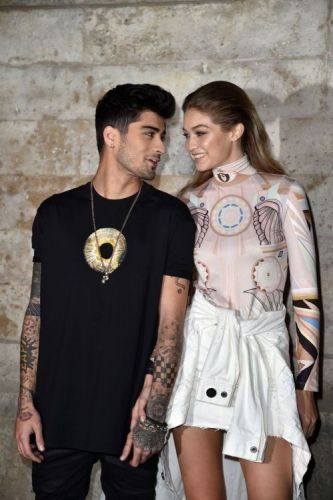 30 Celeb Couples Who Can't Keep Their Hands Off Each