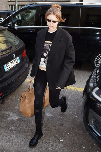 Thanks to Gigi Hadid, Everyone Will Wear This Legging Outfit to the Airport Now