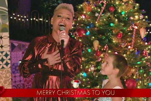 Pink fans wowed by daughter Willow's voice during 'Holiday Singalong'