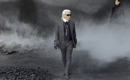 Chanel's style circus to roll on despite loss of Lagerfeld
