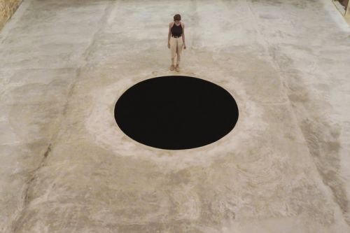 Man Hospitalized After Falling Into Anish Kapoor's 'Descent Into Limbo' Installation
