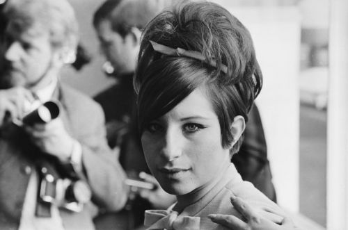 Great Outfits in Fashion History, Beauty All Stars Edition: Barbra Streisand