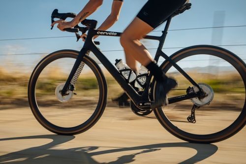 Cervélo's Áspero-5 is Faster, Lighter and The Best It's Ever Looked
