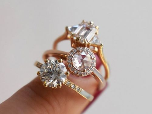 5 Tips for Finding an Engagement Ring That Actually Flatters Your Hand