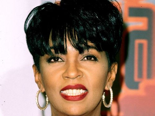 Before Rihanna & Teyana, Anita Baker Pioneered The R&B Pixie Cut