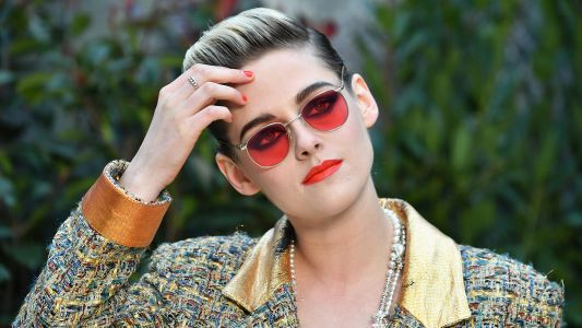 Kristen Stewart Pulls Off a Bold, Androgynous Look at Paris Fashion Week and We Stan