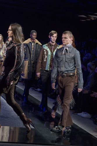 D2gether: DSquared2 Show Both Their Men's and Women's AW18 Collections