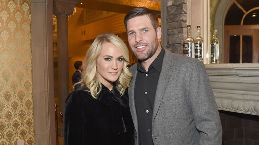 """Carrie Underwood Is at the """"Breaking Point"""" in Her Marriage to Mike Fisher"""
