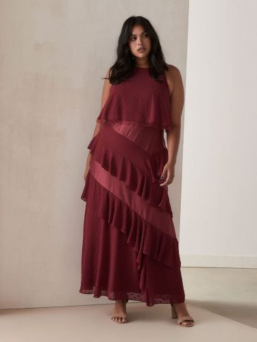 15 Trendy Plus-Size Cocktail Dresses Sure to Spice Up Your Night