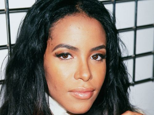 5 Of Aaliyah's Most Iconic Beauty Looks