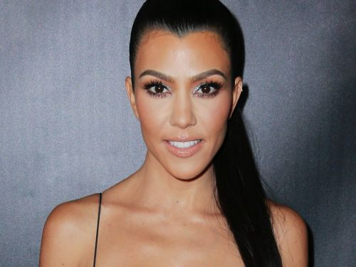 We're Not The Only Ones Who Think Kourtney Kardashian Looks Different
