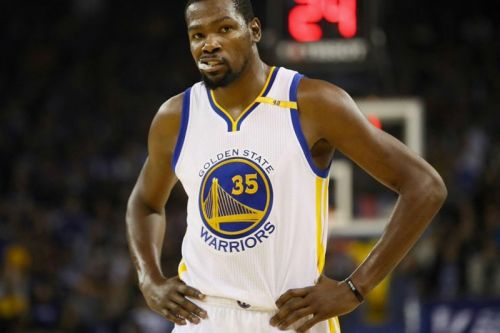 Kevin Durant Caught Using Fake Account to Defend Himself on Twitter