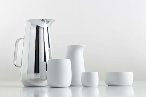 Norman Foster Designed a Set of Tableware for Stelton