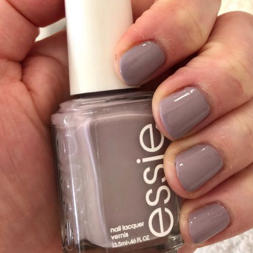 ManiMonday: Essie Just The Way You Arctic from the Winter 2018 Collection