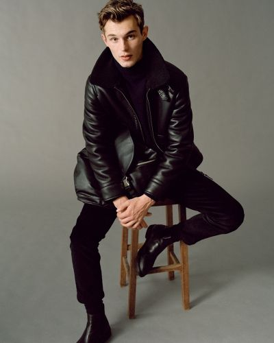 Kit Reunites with Mango for Urban Essentials Campaign