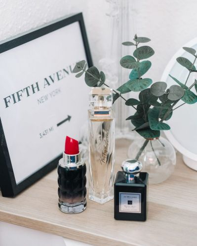Three Of The Best Transitional Perfumes That Smell Super Expensive