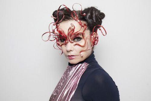 Björk Debuts New Album, Talks Wu-Tang & JAY-Z Collaborations
