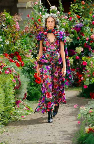 Effortless Maxi Dresses You Can Wear From Winter To SpringStart