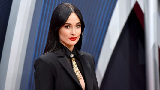 Kacey Musgraves Went Full Versace to Win 'Album of the Year' at the 2018 CMAs