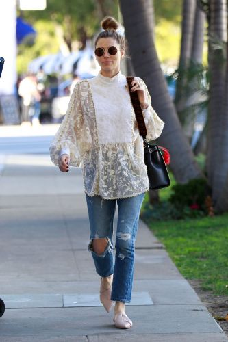 The Chicest Celebrities Show Us How to Wear Jeans This Summer